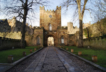 Durham Castle University Entra...