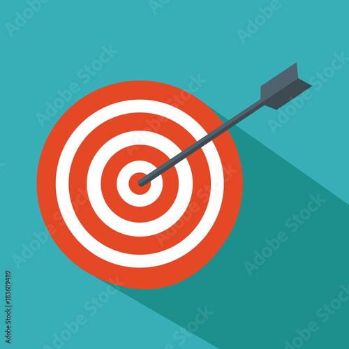 Fotografía  target hit in the center by arrows