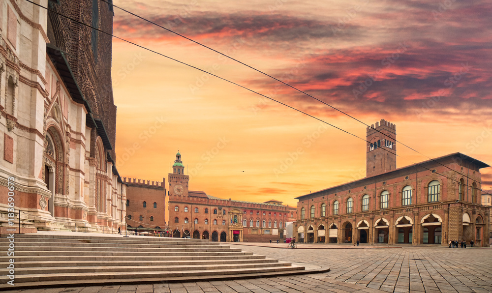 Fototapety, obrazy: main square in Bologna
