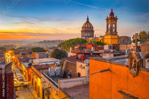 Fototapeta premium Zachód słońca w San Miguel De Allende, Guanajuato w Meksyku