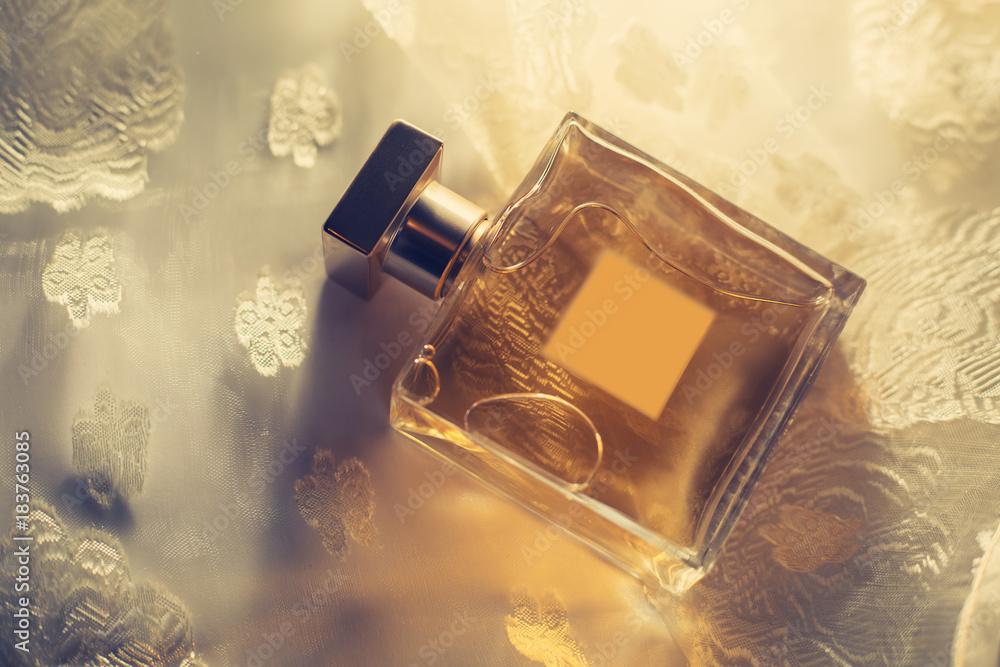 Fototapety, obrazy: Female perfume in beautiful bottle