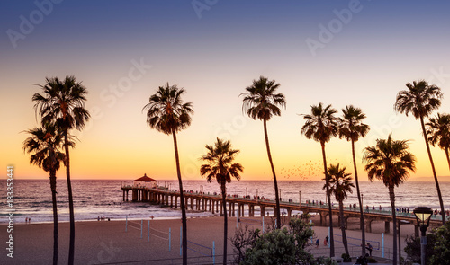 Foto op Plexiglas Amerikaanse Plekken Manhattan Beach Pier at sunset, Los Angeles, California