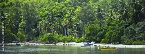 Fototapety, obrazy: Boats on a Tropical beach