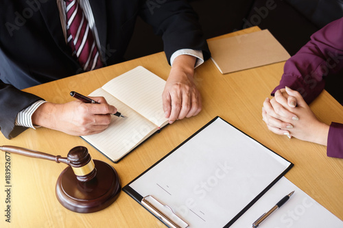 Fotografía  Customer service good cooperation, Consultation between a male lawyer and busine