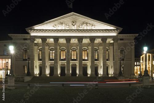 Spoed Foto op Canvas Theater Bayerische Staatsoper in München bei Nacht