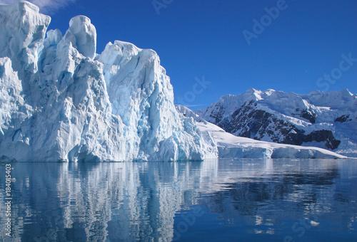 Papiers peints Arctique Climate change affected glacier in Antarctica