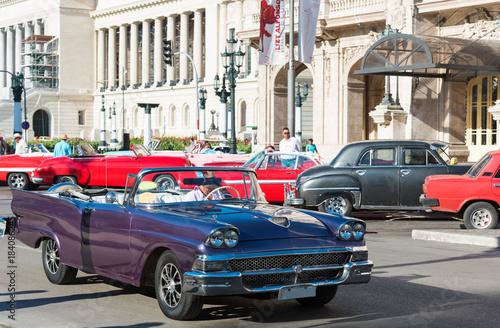 Amerikanischer blauer Ford Cabriolet Oldtimer auf der Strasse vor dem Gran Teatr Canvas Print