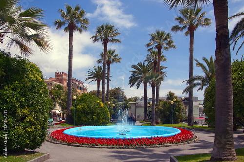 Fotografia Fontana e Palme a Varazze Liguria Italia Europa Fountain and Palms in Varazze Li