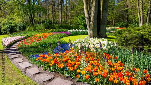 Stampa su Tela Spring Formal Garden. Beautiful garden of colorful flowers