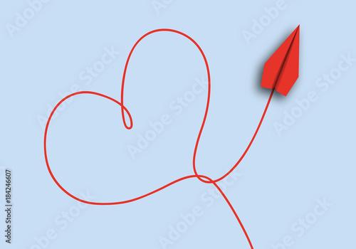 Photo origami - concept - idée - amour - amoureux - cœur - symbole - avion de papier -