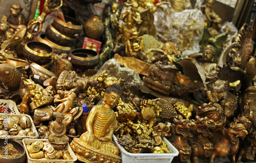 Bulk of Asian metal souvenirs: Buddhas, Dragons, Coins - Buy