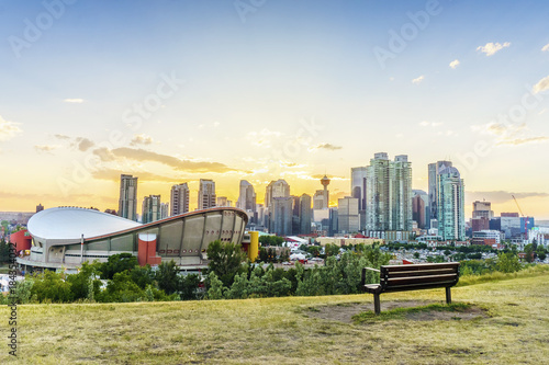 Foto  Downtown of Calgary at sunset during summertime, Alberta, Canada