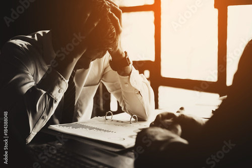 Fotografía  business partners disappointment of failure negotiation: businessman feeling loss of job in business