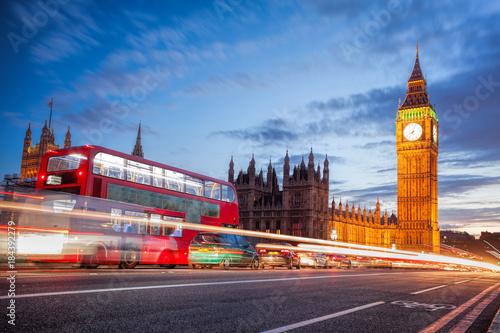 Türaufkleber London roten bus Big Ben with traffic jam in the evening, London, United Kingdom