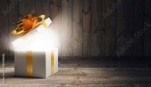Pacco regalo aperto con sorpresa, natale e compleanno Canvas-taulu