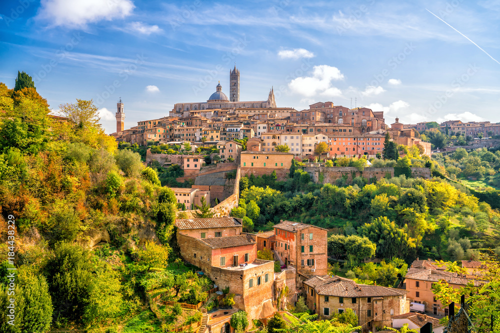 Fototapety, obrazy: Downtown Siena skyline in Italy