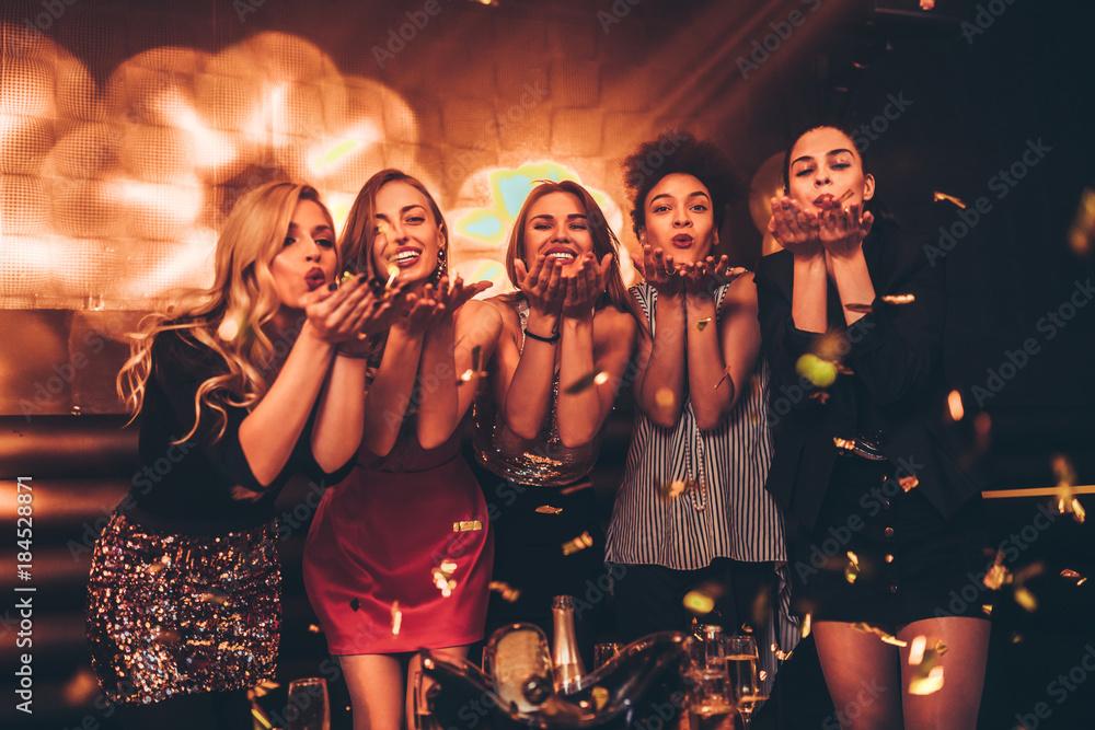 Fototapety, obrazy: It's ladies night !