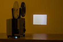 8mmフィルム映写機、映...