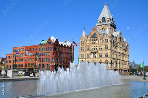 Fényképezés  Syracuse Savings Bank Building was built in 1876 with Gothic style at Clinton Square in downtown Syracuse, New York State, USA