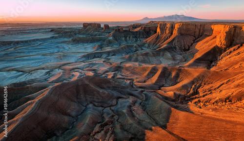 Fotografija  Desert badlands sunrise, Utah, USA.