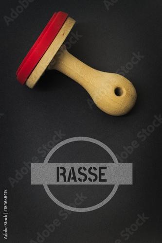 Foto  RASSE - Bilder mit Wörtern aus dem Bereich Rassismus, Wort, Bild, Illustration
