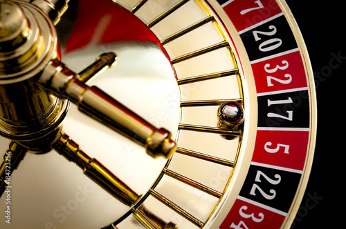 Fotografia Gambling, casino games and the gaming industry concept with seventeen the winnin