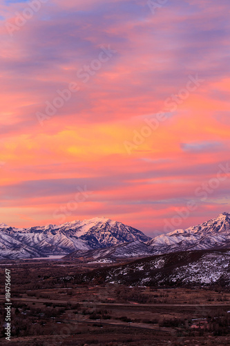 Papiers peints Corail Wasatch winter sunrise, Utah, USA.