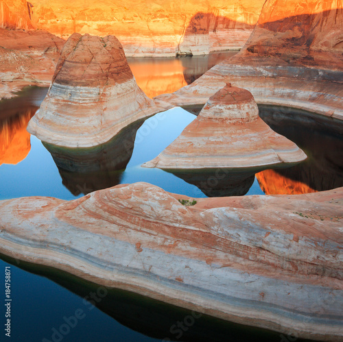 Foto op Aluminium Koraal Lake Powell Sunrise, Utah, USA.