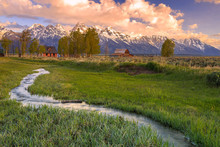 Grand Teton Barns And Ranch Re...