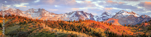 Spoed Foto op Canvas Bleke violet Fall sunrise in the Wasatch Back, Utah, USA.