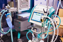 Intensive Care Respirator