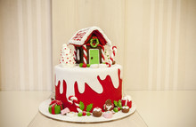 Christmas Cakes With Cream