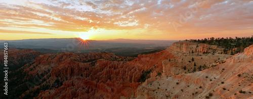Fotobehang Bruin Bryce Canyon Sunrise landscape, Utah, USA.