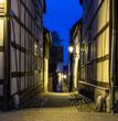 eine kleine Gasse in der Stadt Waren ( Deutschland ) an der Müritz