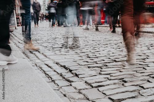 Fotografie, Obraz  Foule dans les rues de Dublin