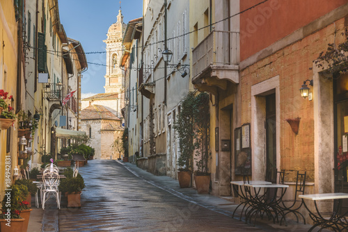Fototapety, obrazy: Absolutely beautiful town in southern Tuscany, somewhere in the Val d'Orcia, San Quirico d'Orcia, Italy.