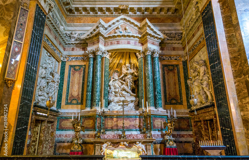 Valokuva Right side chapel in the Church of Santa Maria della Vittoria in Rome, Italy