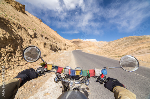 Photo  Motorcycling the Srinagar Leh Highway, a high altitude road that traverses the great Himalayan range, Ladakh, India