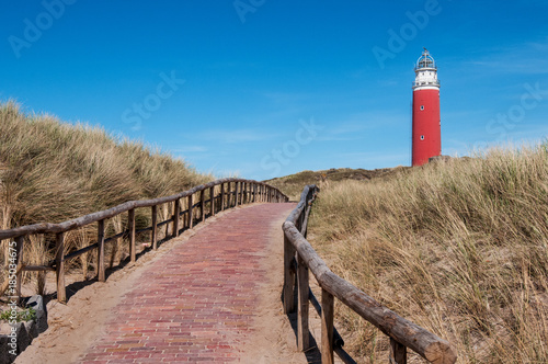 Valokuva  path over the dunes to the lighthouse in Texel