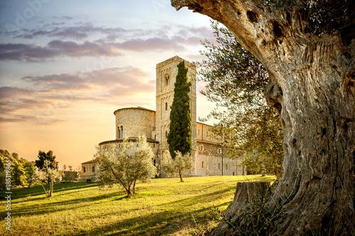 Cuadros en Lienzo Abbey of Sant'Antimo in Montalcino, Tuscany, Italy