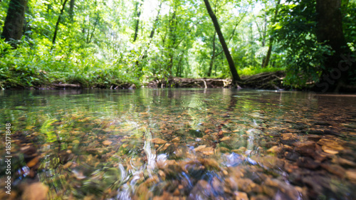 Photo shallow river bed