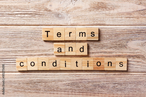 Fotografía  Terms and Conditions word written on wood block