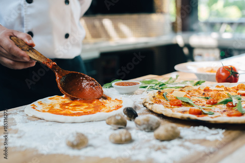 Cadres-photo bureau Pizzeria Fresh Italian pizza making process.