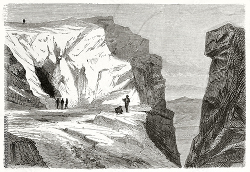 Photo Old rough illustration of Pentelic marble caves in Mount Pentelicus Greece