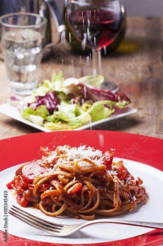 Fotografía  Portion Spaghetti mit Tomatensauce