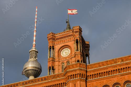 Photo Berlin Rotes Rathaus und Fernsehturm