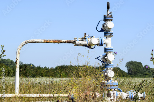 Keuken foto achterwand Schip Well for water injection into the reservoir. Maintaining reservoir pressure. Oil production. Well for maintenance of reservoir pressure