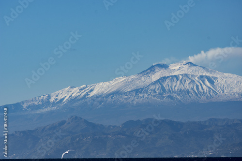 Valokuva  Landscape of ETNA MOUNT WITH SNOW