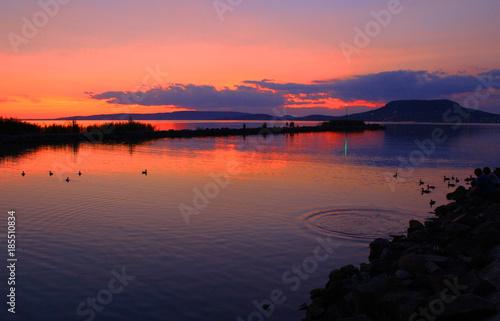 Poster Oranje eclat Sunset at Lake Balaton