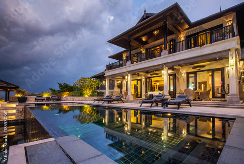 Fotografiet  Luxury villa with big swimming pool interior outdoor